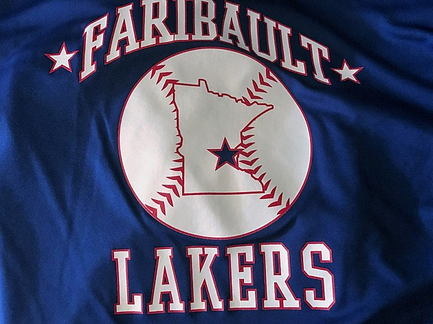 Faribault Lakers 2015 State Tournament Shirt.  Photo by Gordy Kosfeld